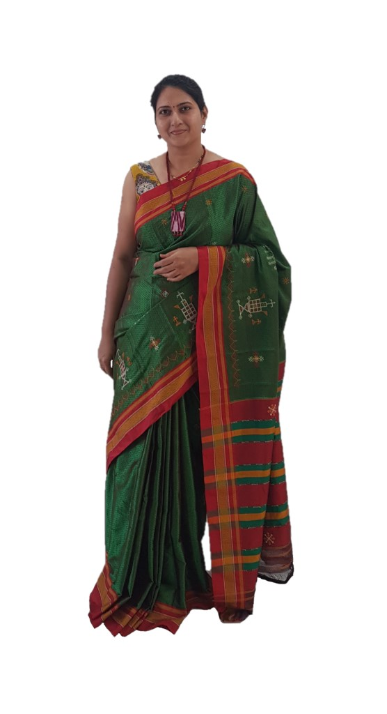 Khun Saree with Kasuti Work of TulsiKatta Elephant and Ilkal Lining Pallu Green Red : Picture