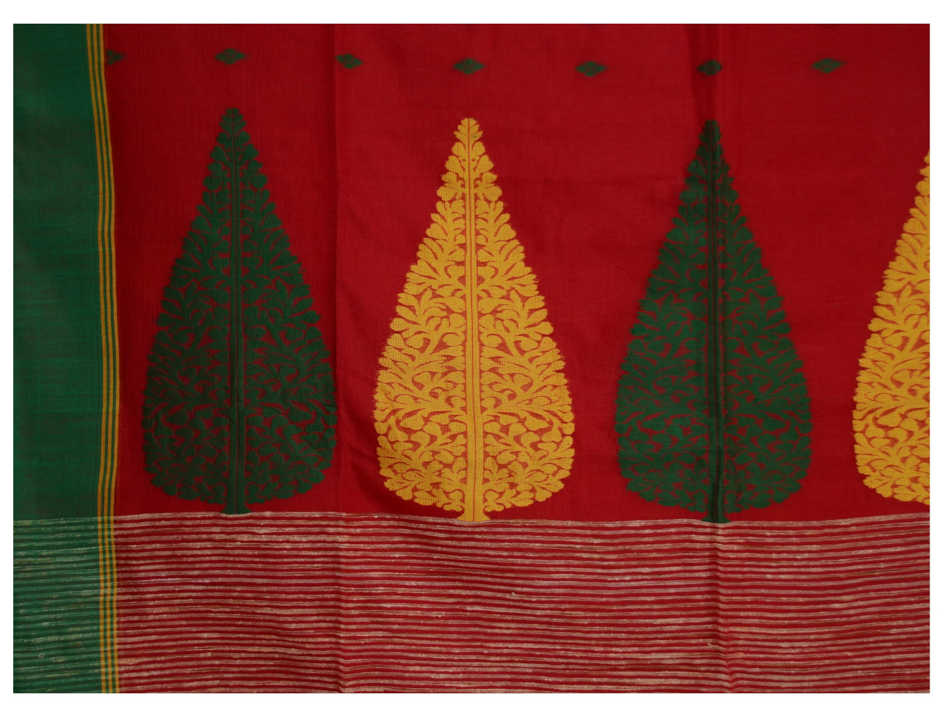 Bengal Handloom Pure Cotton Hand Embroidered Butta Work Saree Red  : Picture