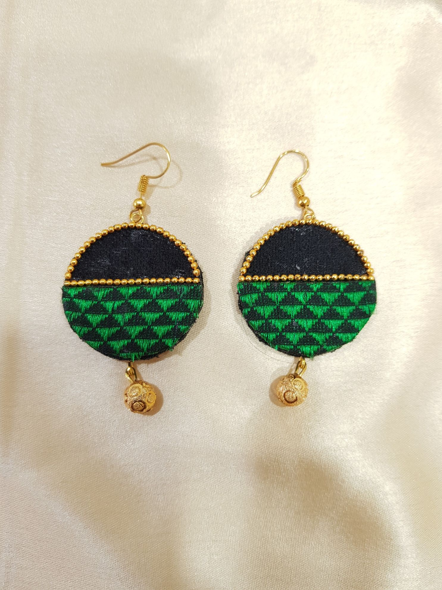 Handcrafted Khun Fabric Jewellery Set Green : Picture