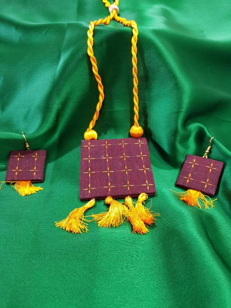 Handcrafted Ilkal Fabric Jewellery Set Dark Maroon : Picture