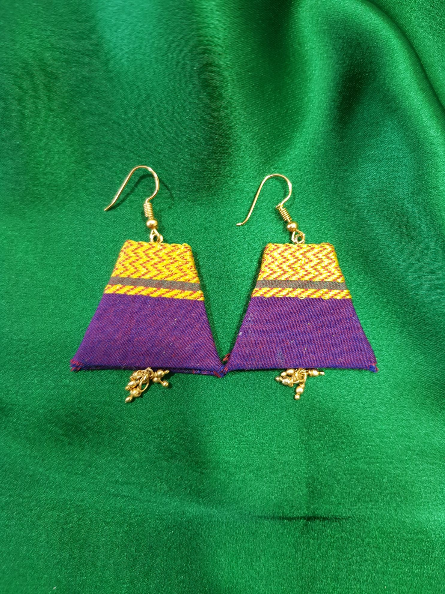 Handcrafted Khun Fabric Jewellery Set Purple : Picture