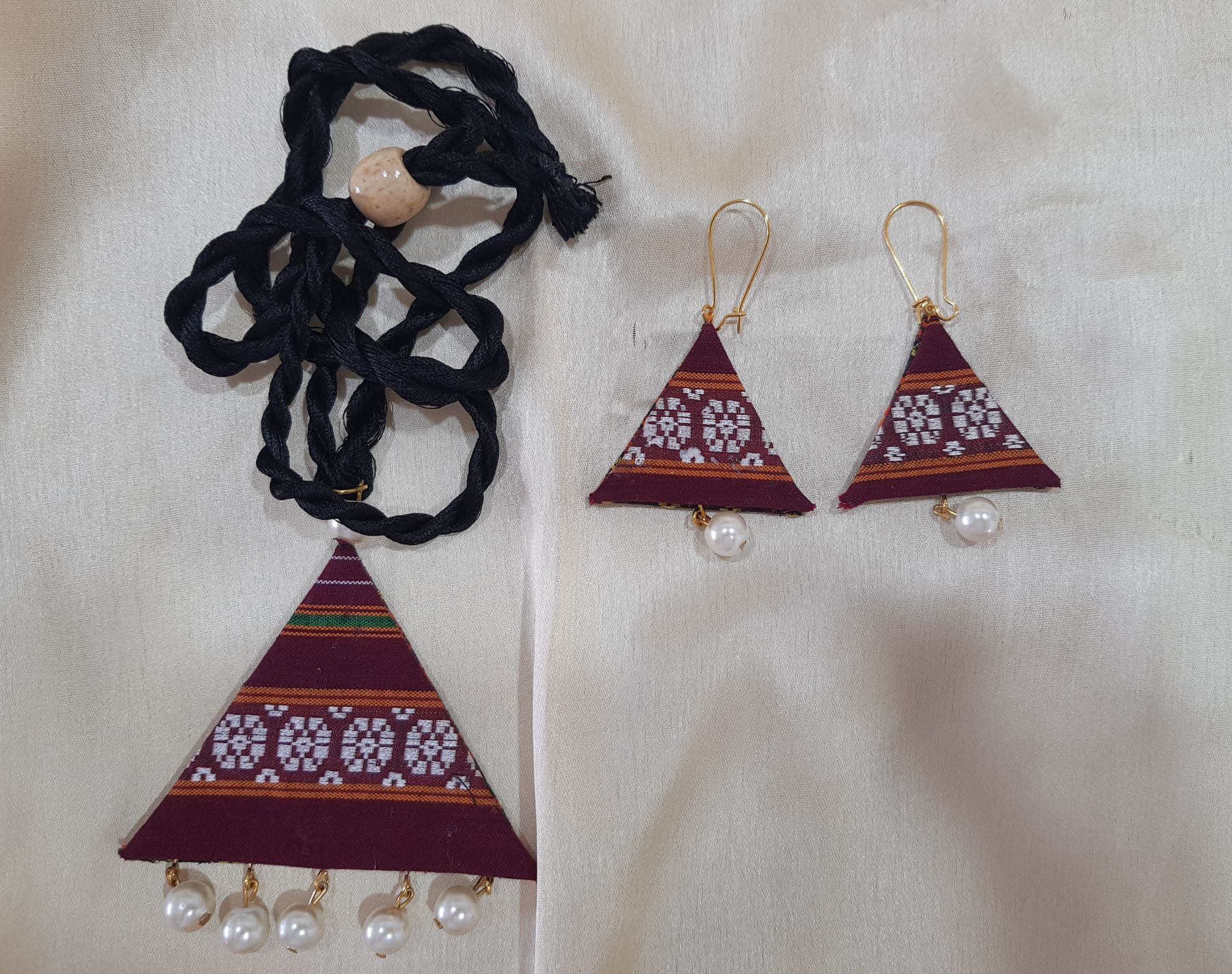 Handcrafted Double Sided Khun Fabric Jewellery Set Copper and Maroon : Picture