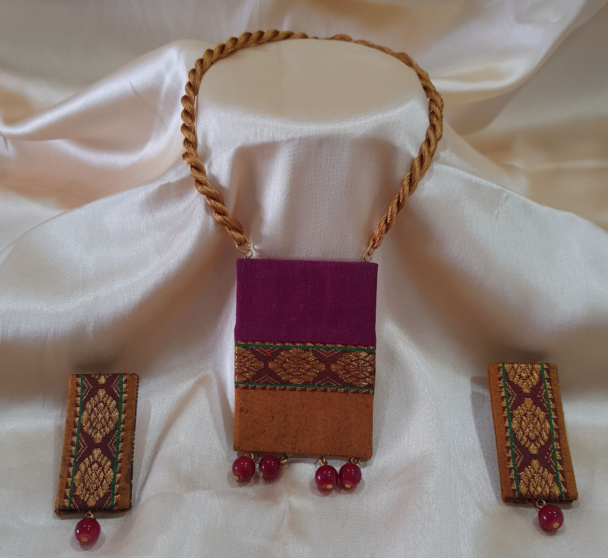 Handcrafted Khun Fabric Jewellery Set Maroon Yellow Ilkal : Picture