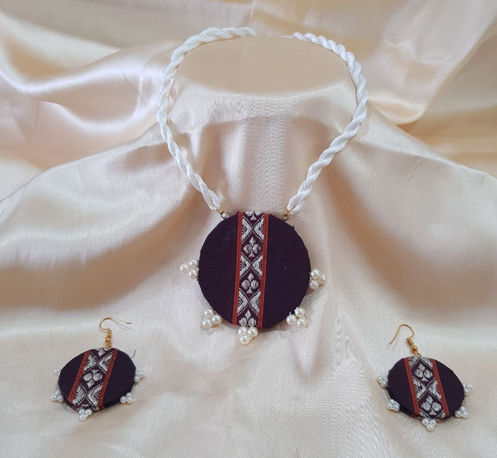 Handcrafted Khun Fabric Jewellery Set Dark Maroon White : Picture
